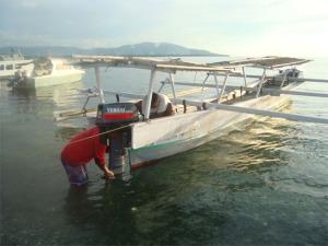 Salah satu perahu tempel yang biasa dipergunakan untuk patroli oleh Polhut Taman Nasional Kepulauan Togean - Tojo Unauna - Sulawesi Tengah